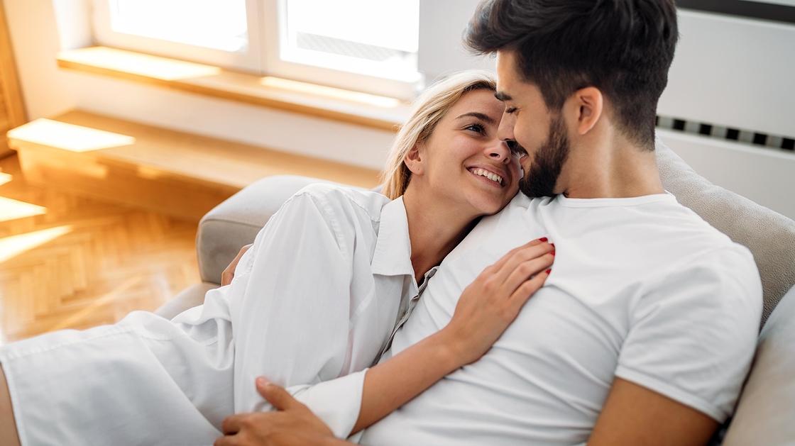 Mistä tiedät, jos tyttö on kiinnostunut dating sinua tarkkuus alue hiilen dating